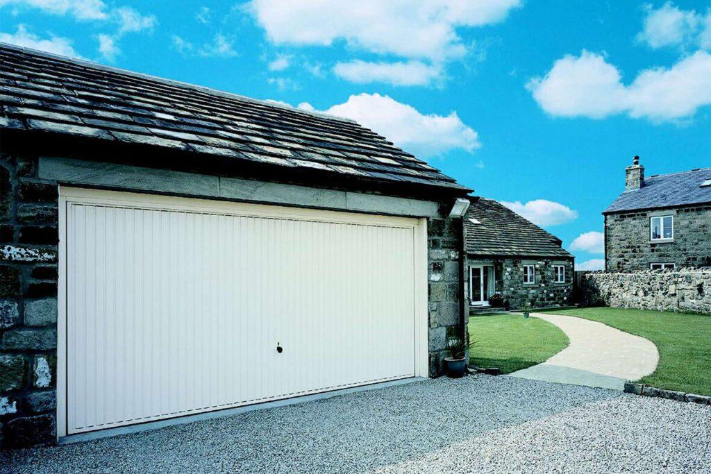 garage doors Totnes